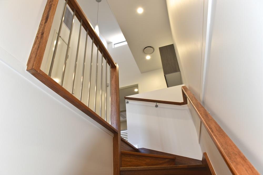 04 Stairway01.jpg