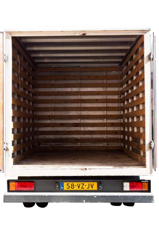 Autoverhuur Trio gesloten laadbak 12m3 t/m 19m3 achterkant