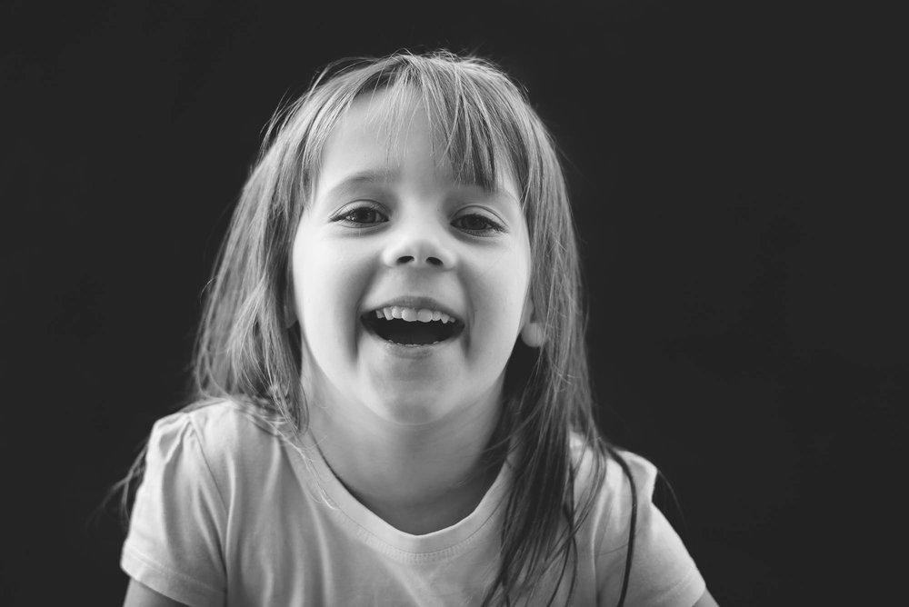 melbourne_family_photographer_childhood_portraits_black_and_white_girl.jpg