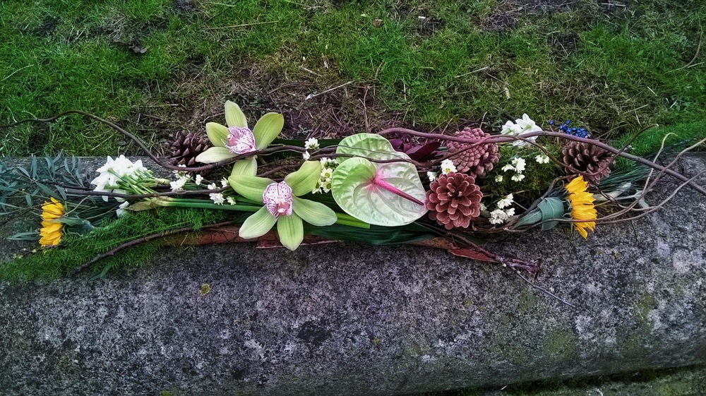 Natural Coffin spray Clare Cowling Feb 2016.jpg