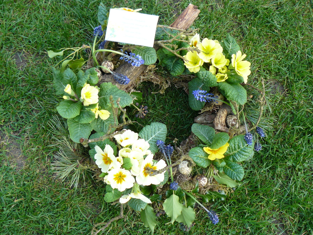 spring planted wreath shuttleworth.jpg