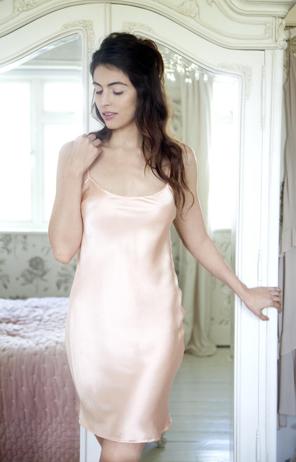 SLIP DRESSING -