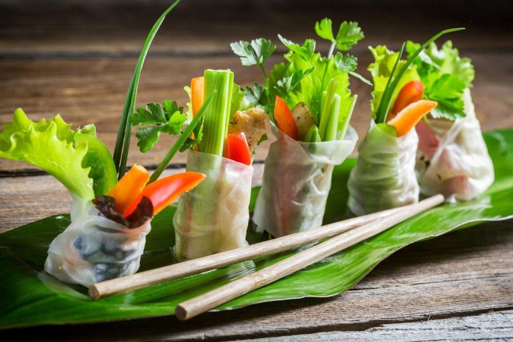 Fresh_Summer_rolls_fingerfood_vietnamesisch.jpg