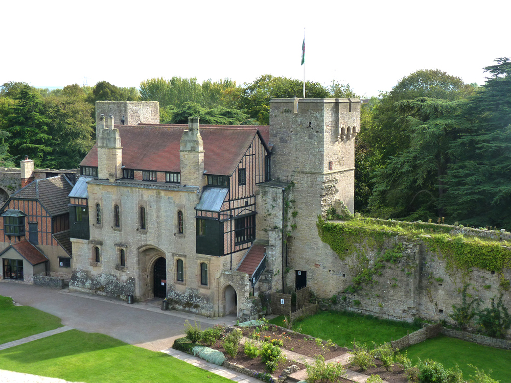 caldicot-castle-gatehouse.jpg