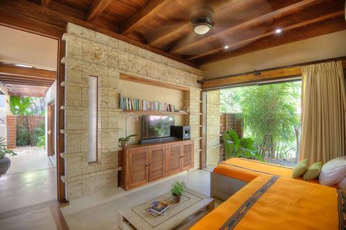 rancho-cielo-luxury-villa-almendro.jpg