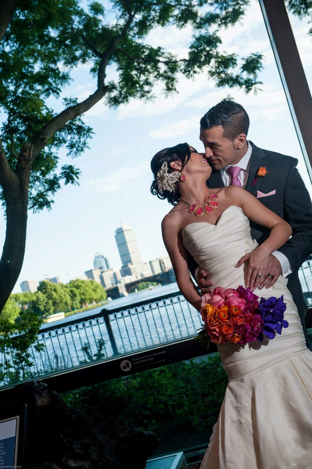 Malloy Events | New England wedding florist | Modern city wedding