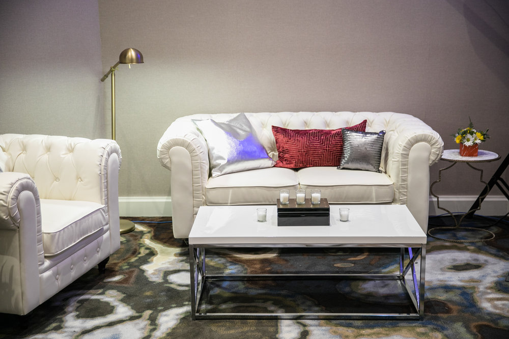 White lacquer coffee table with chrome legs