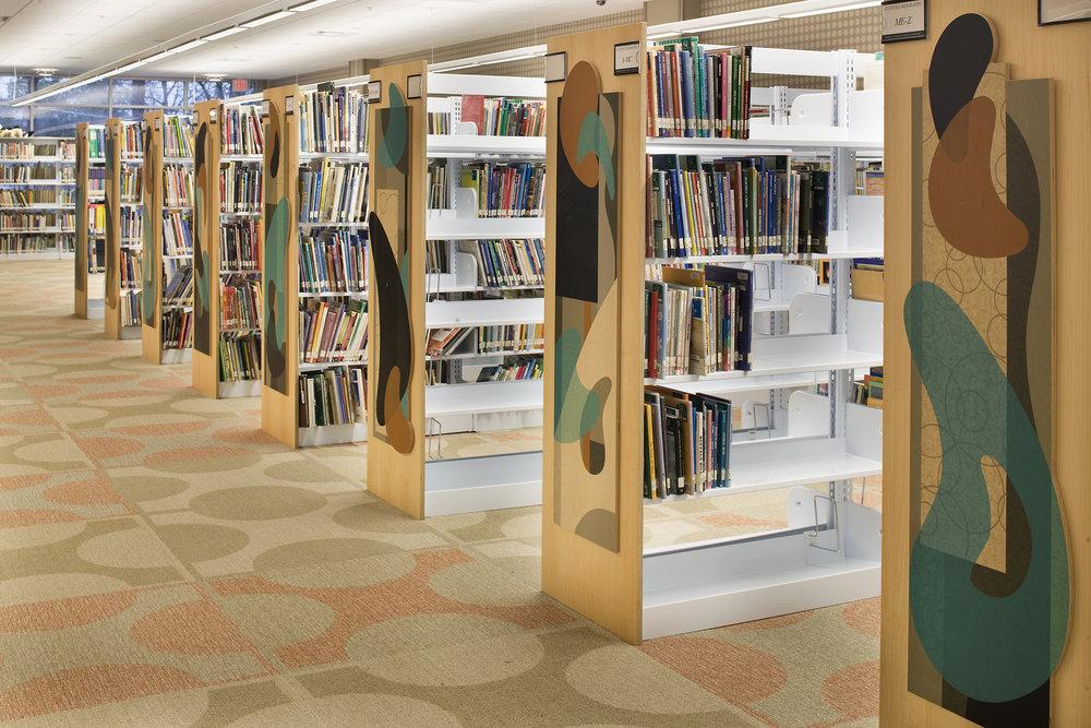CAU_TuckerReidHCoferLibrary_BookshelfEndCaps_web_053118.jpg