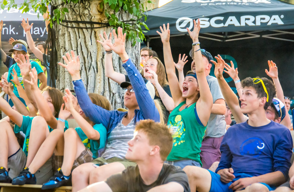 Spectators grab some free schwag at the Dyno Comp