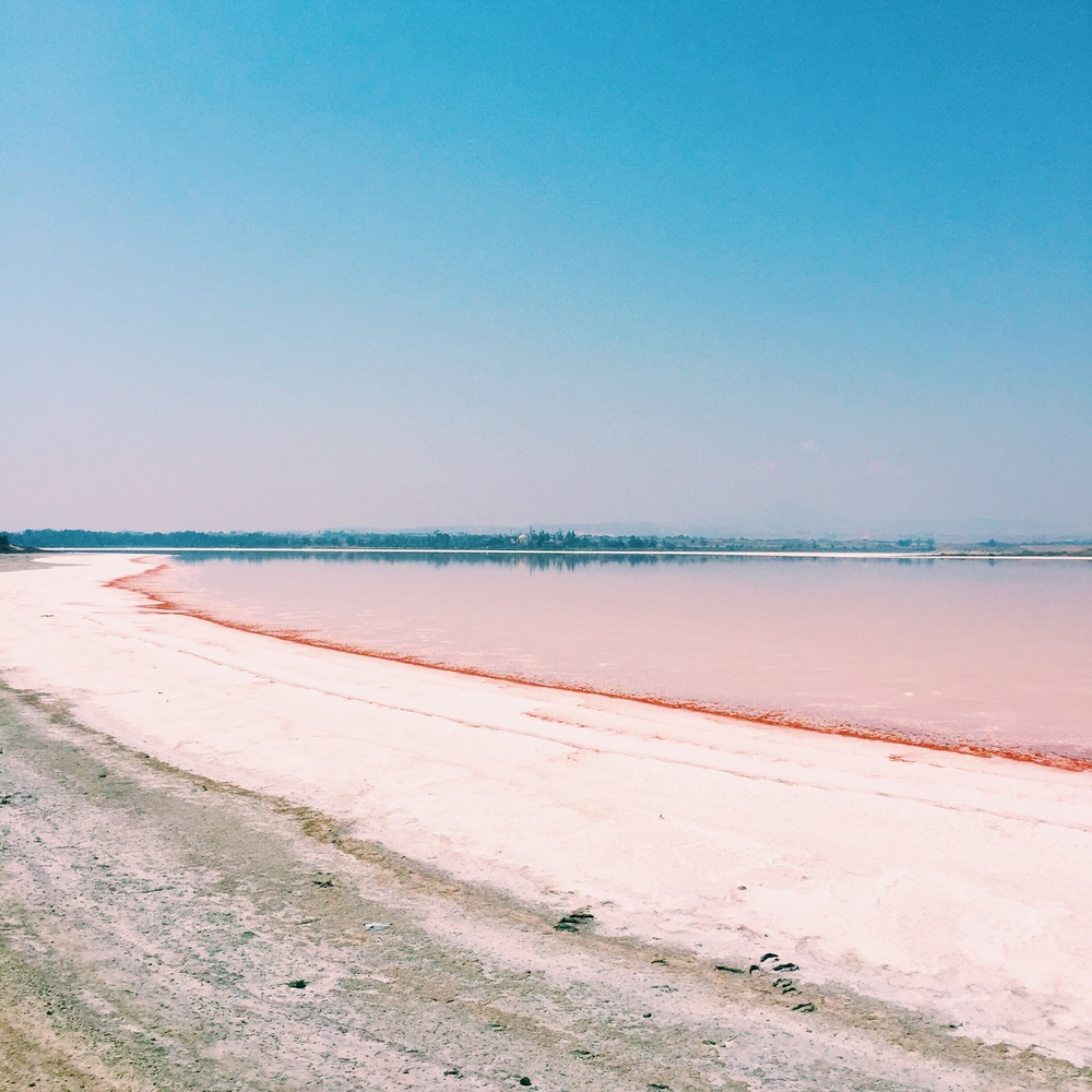 It was the first time I get to put my feet on a salt Lake.