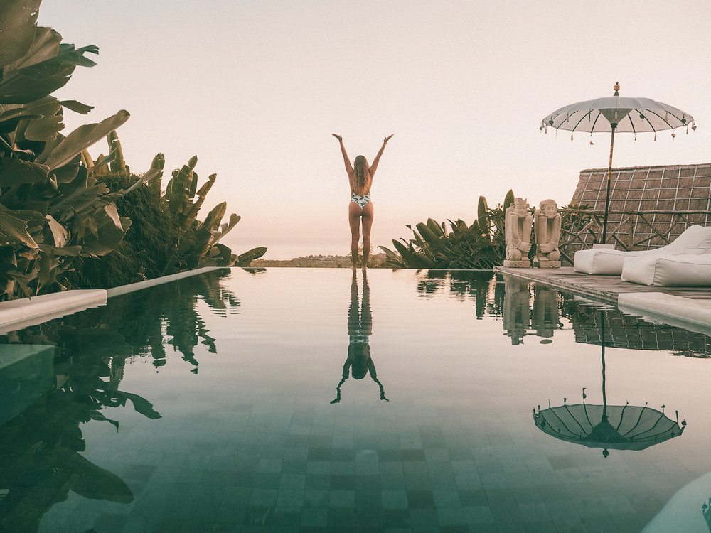 Infinity pool @ Gravity Hotel Bali
