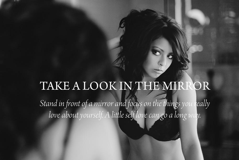 phoenix-boudoir-photographer-sexy-mirror.jpg