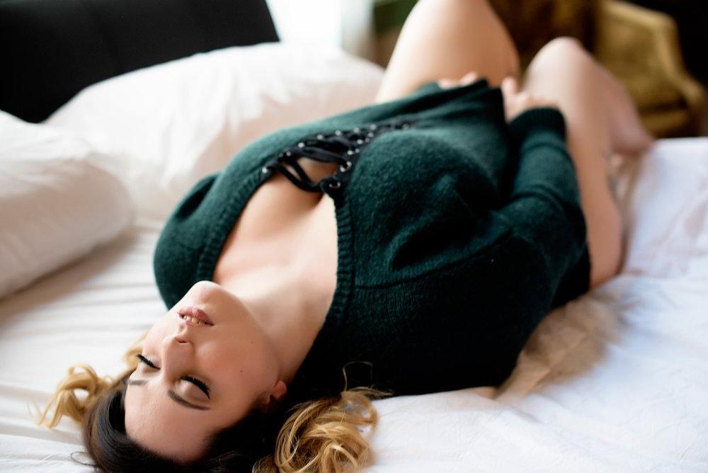 016-curvy-boudoir-photography-in-phoenix-az.jpg