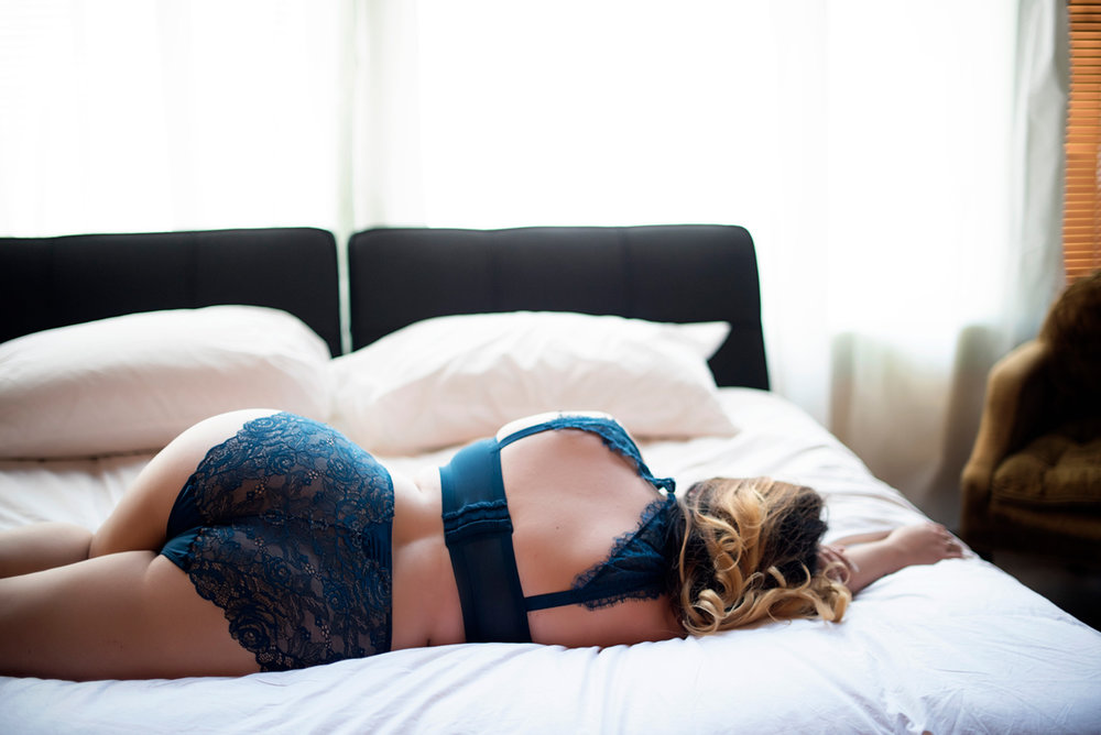 028-boudoir-photographer-in-phoenix-az.jpg