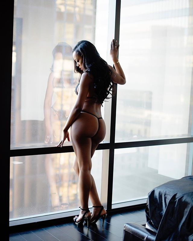 Dreaming of that day in #la with this #babe. . . . . #phoenixboudoirphotographer #phoenixboudoir #arizonaboudoir #scottsdaleboudoirphotographer #azboudoir #boudoir #bootygoals #youreworthit #investinyourself