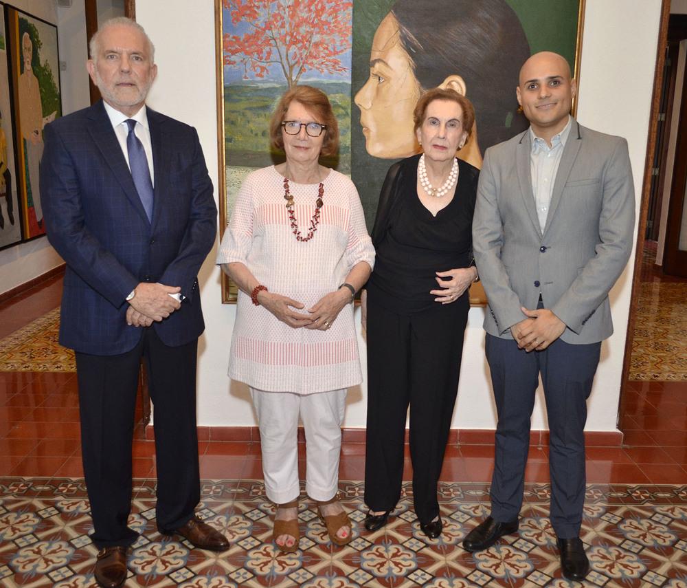 00 Foto Principal 1 George Manuel Hazoury Peña, Marianne de Tolentino, Elsa Peña de Hazoury  y Alex Martínez Suárez.jpg