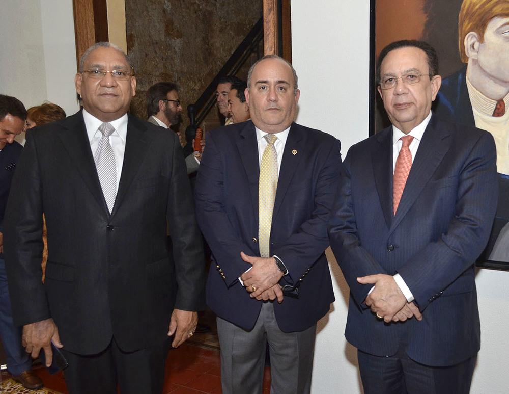 Foto 1 Ervin Novas Bello, Ricardo Rojas León  y Héctor Valdez Albizu.jpg