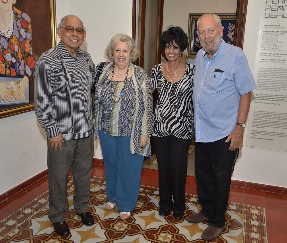 Foto 5 Manuel Montilla, Natividad Abad, Elsa Nuñez y Freddy Ginebra.jpg
