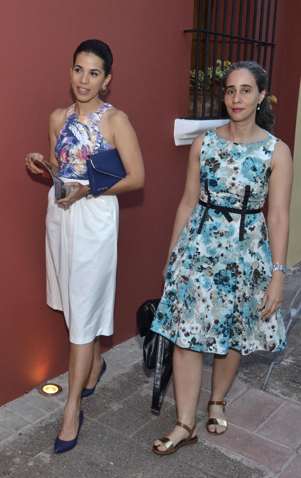 Foto 10  Elia Martínez y Samanta Sánchez realizando su entrada a la actividad.jpg
