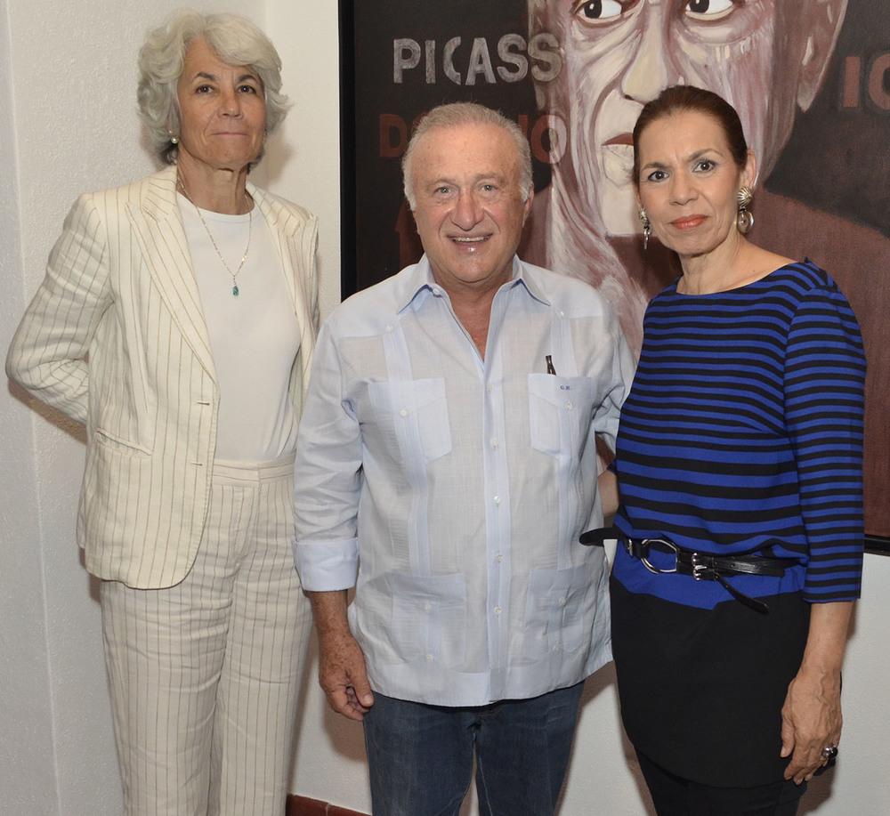 Foto 12 Olga Santos Álvarez ,  Pepino Bonarelli y María del Carmen Ossaye.jpg