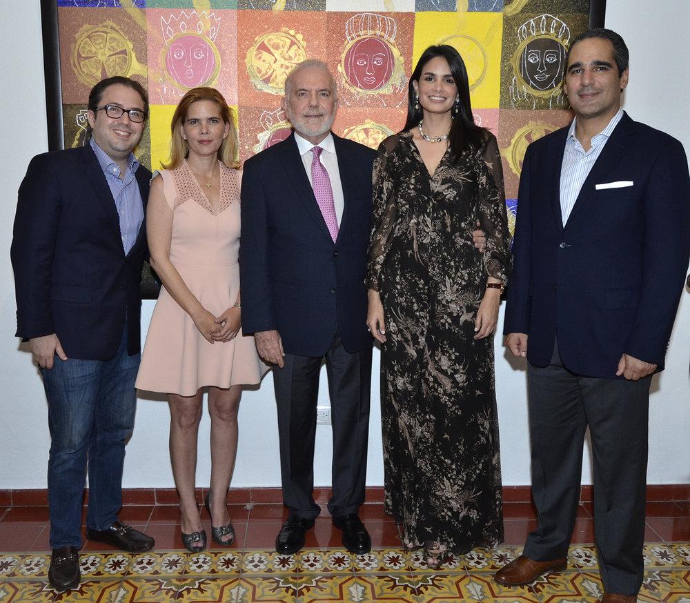 Foto Principal 3 Carlos Hazoury, María Laura Hazoury de Mayol, George Manuel Hazoury Peña, Judith Cury y Juan Mayol.JPG