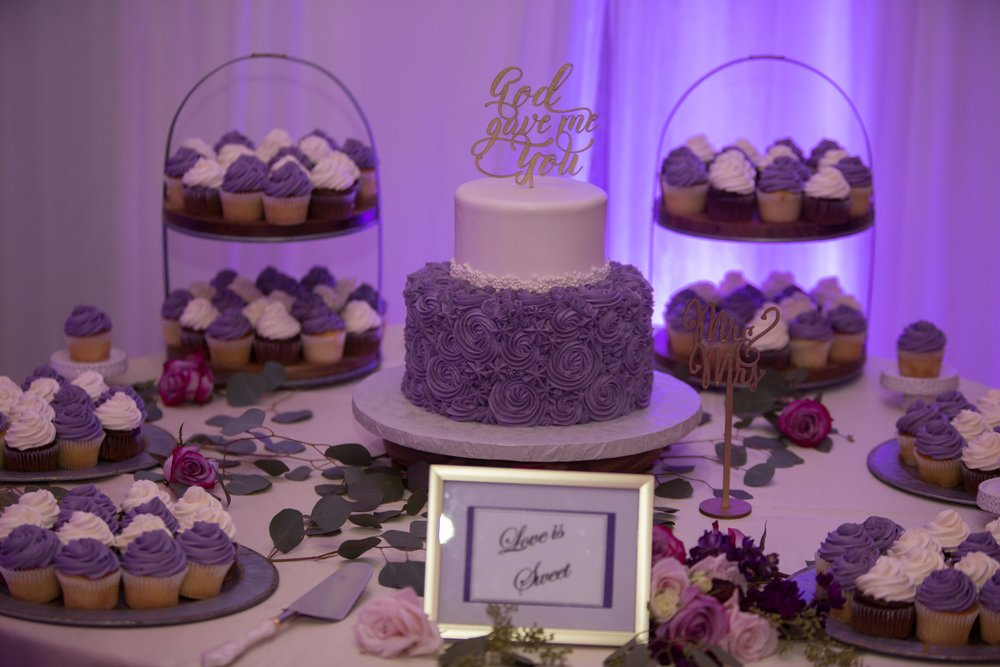 Cup Cake table .jpg