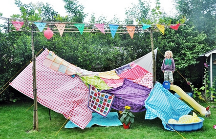 Make A Fort Fort Ideas For Hours Of Backyard Fun The Backyard Kid - Backyard fort ideas