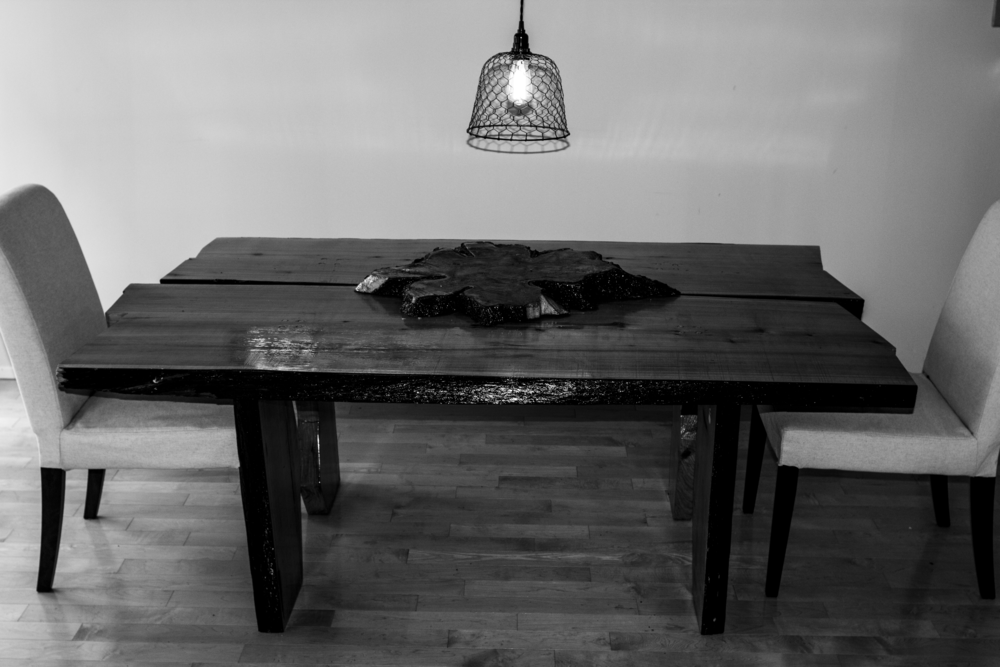 Table Black & White.png
