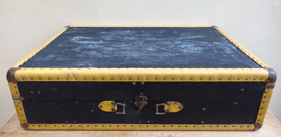 Yellow Trim Suitcase (X1) 21cm x 75cm £10