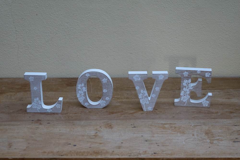 Wooden Flower Sign £2