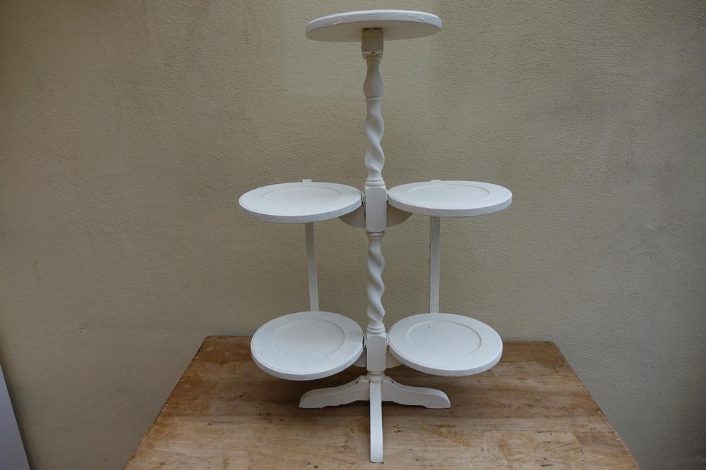 Ivory 5 cake display.JPG
