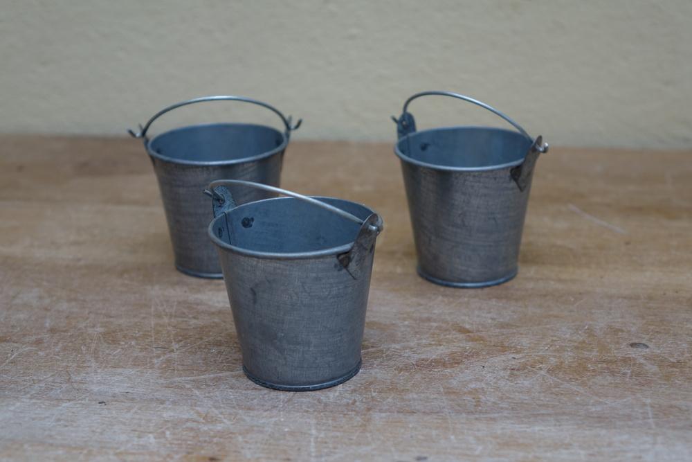 Mini Galvanised Bucket Tealight Holder £0.5