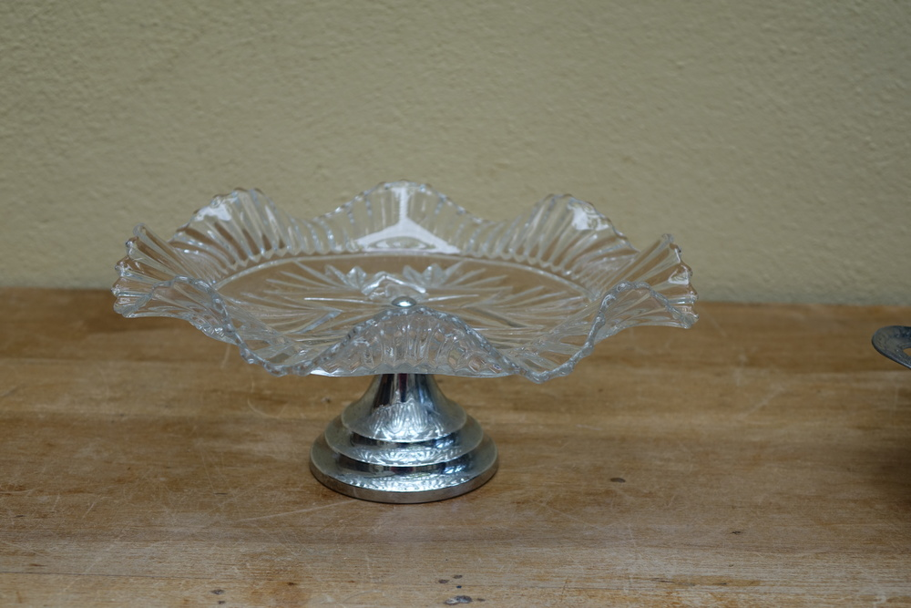 Glass & Silver Cake Stand £3