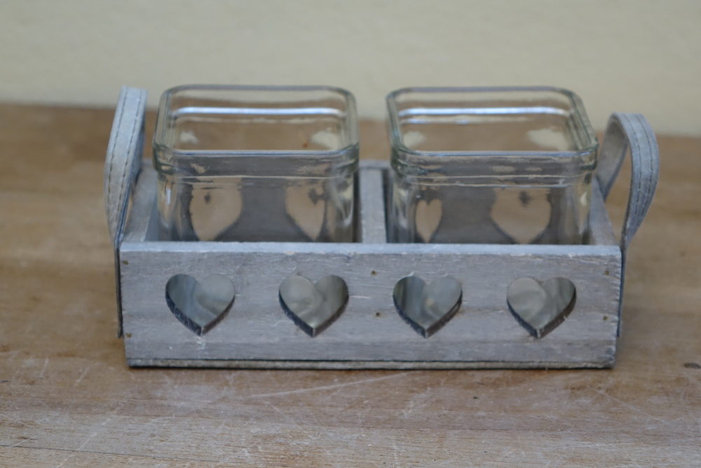 Wooden Heart Tealight Holder £2