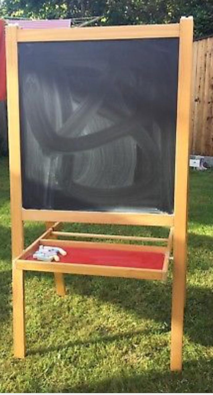 Child Size Easel Blackboard & Wipeboard £10