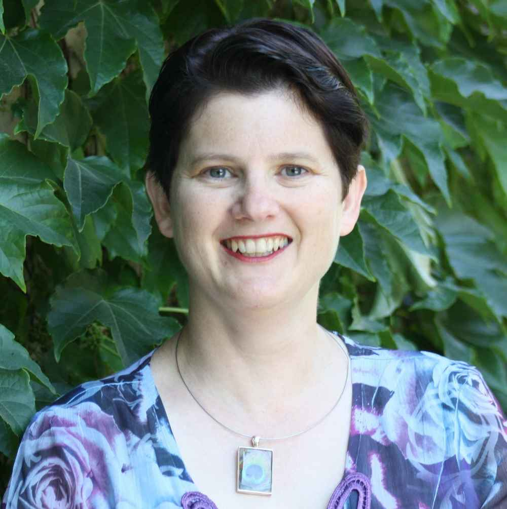 Rebecca J Hogue
