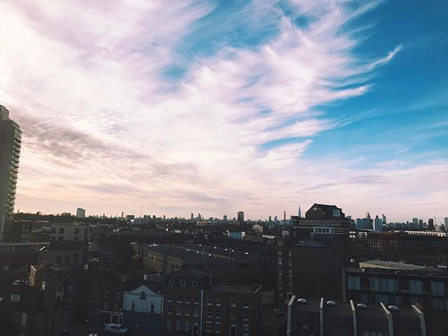 Always find a way above!  welcometothehotel.com . . . . . . #london #sky #skyline