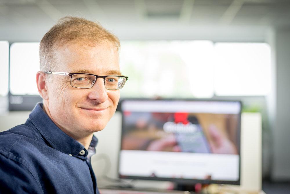 Antoine Comiti Antoine Comiti est le co-fondateur de la sarl KI-LAB, éditeur de GLOBULE. Il supervise les priorités fonctionnelles de développement de l'application GLOBULE et le bon déroulement des projets de déploiements chez les clients.
