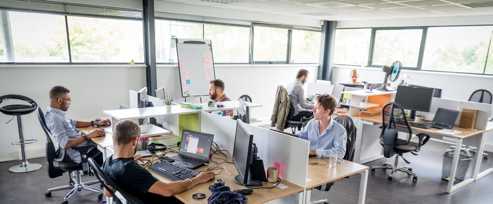 Dans les locaux de Ki-Lab, l'équipe de développement de Globule est renforcée par une équipe d'ingénieurs du partenaire Capgemini.