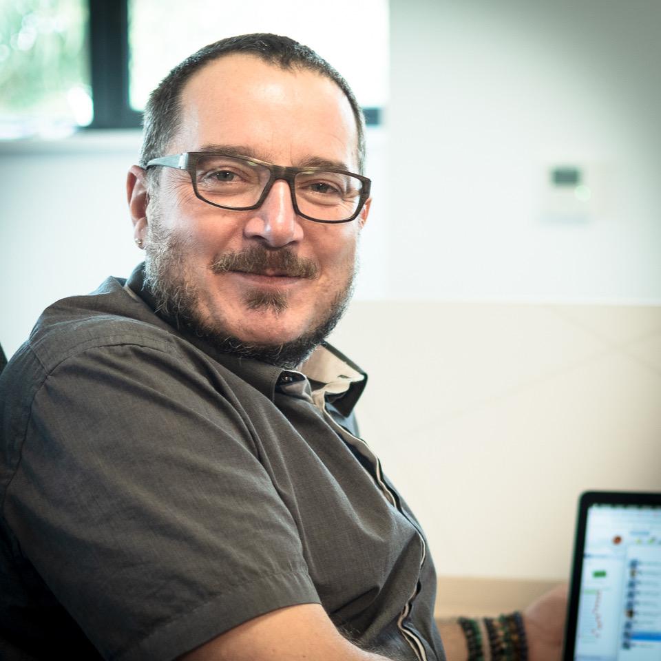 Lionel Isolda   Lionel gère les projets d'interopérabilité avec d'autres logiciels et la relation avec les partenaires développeurs. Il réalise des travaux techniques d'évolutions de GLOBULE et assiste les chargés de projets e-santé.