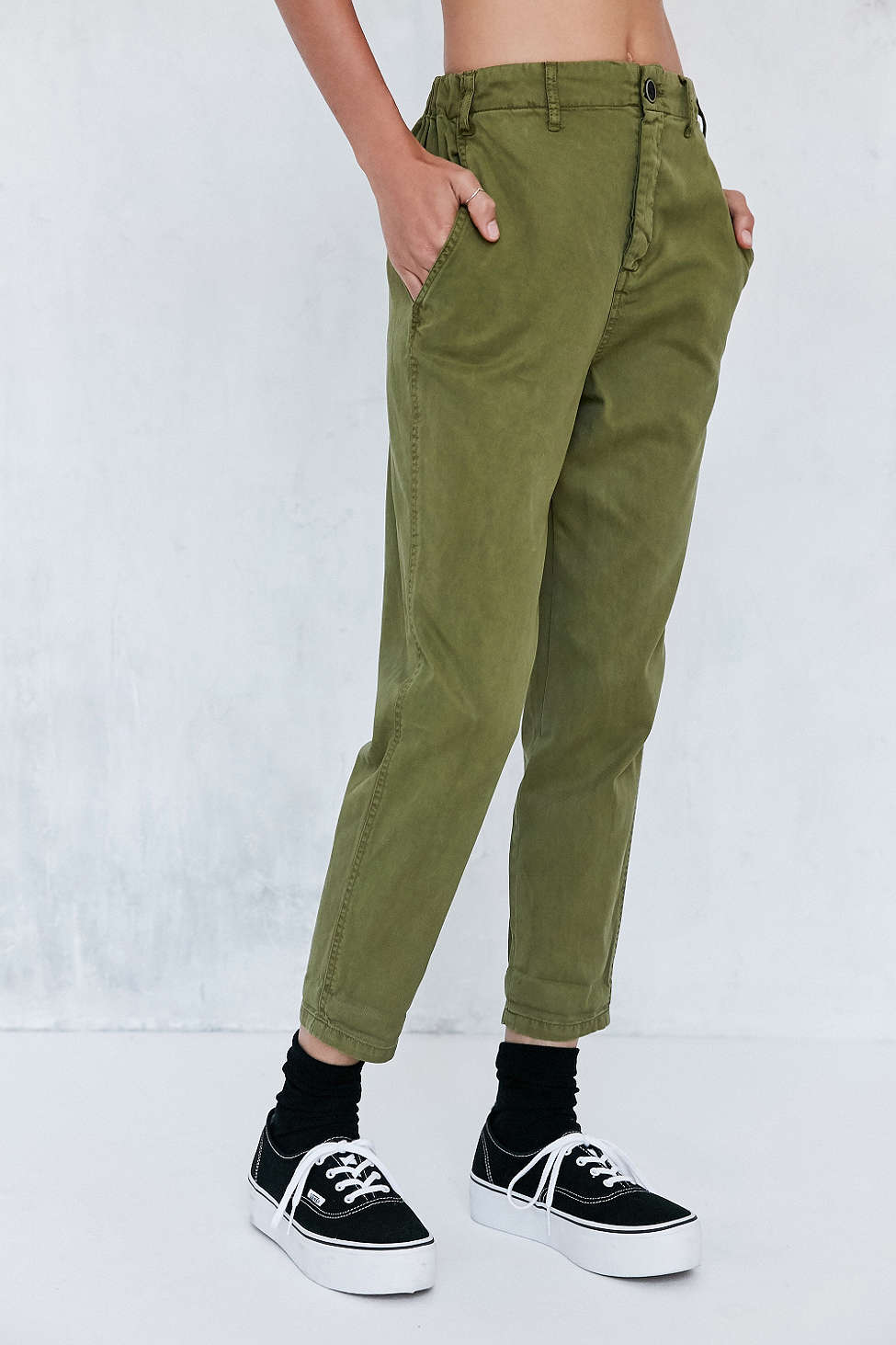 One of my good friends asked me about where she could find good cargos this season and I was stumped! But then I stumbled upon this awesome pair + can't wait to show her!