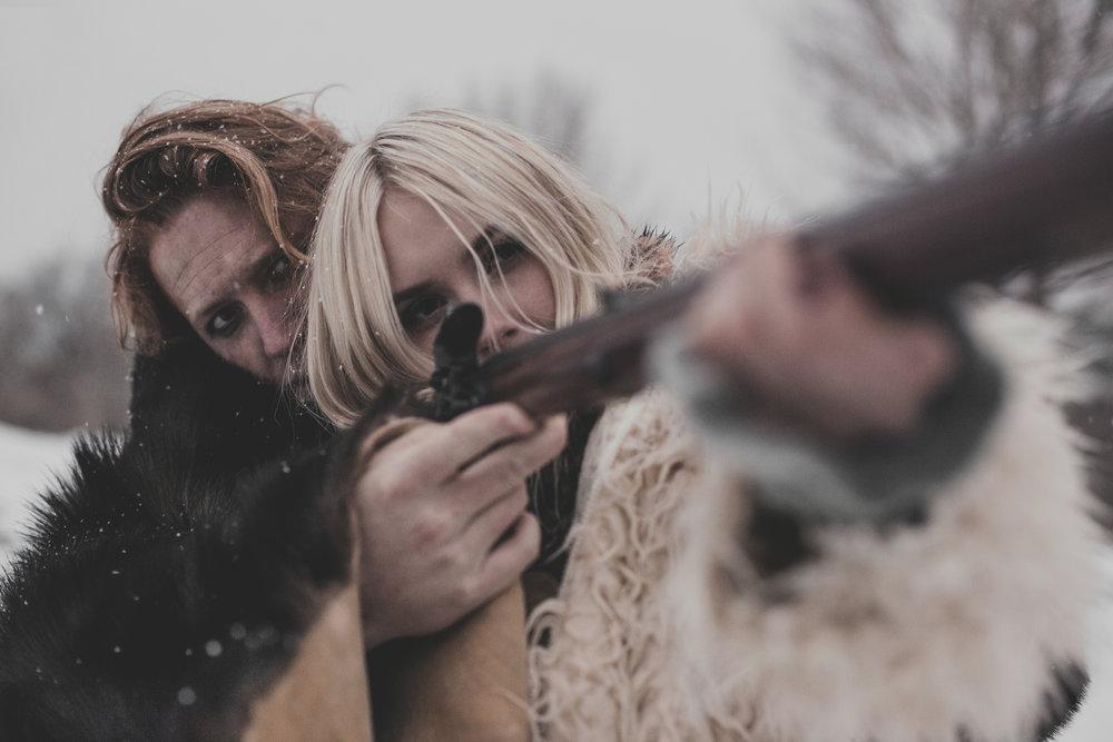©duston-todd-fashion-gun-fur-coat-woods.jpg