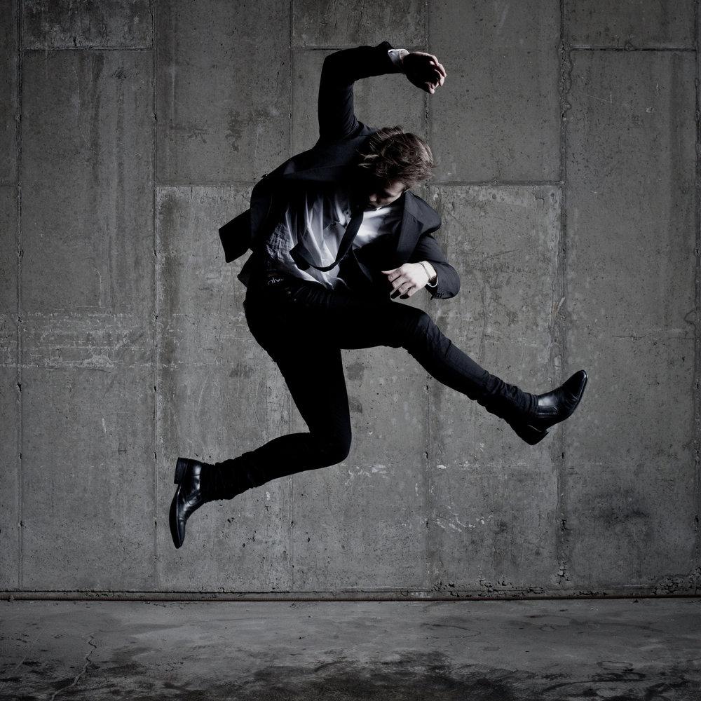 © duston-todd-mens-fashion-portrait-jumping.jpg