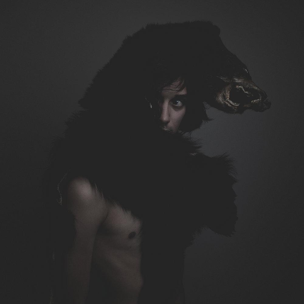 ©duston-portrait-dark-bear-man_.jpg