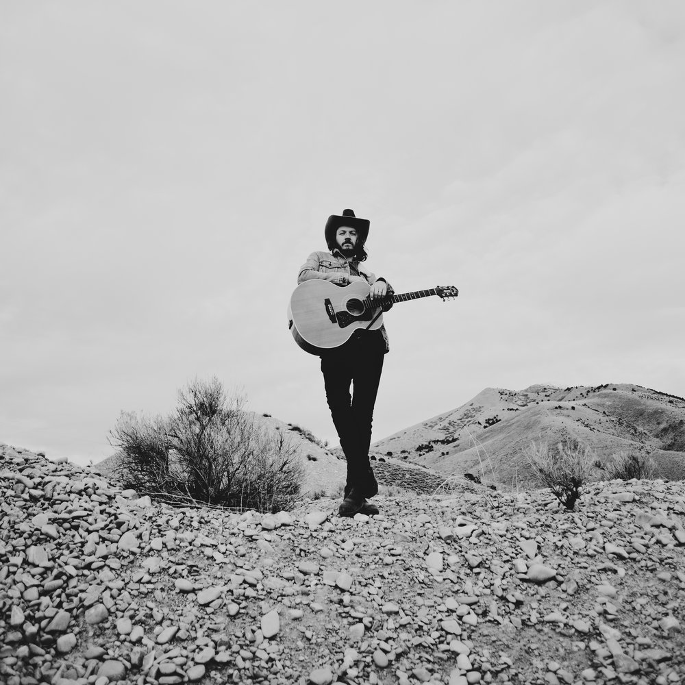 © duston–todd–country-cowboy–guitar-desert-6.jpg
