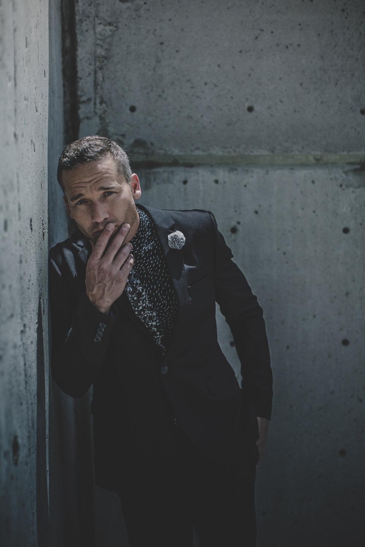 © duston-todd-blackwhite-menswear-suit-fashion-urban.jpg