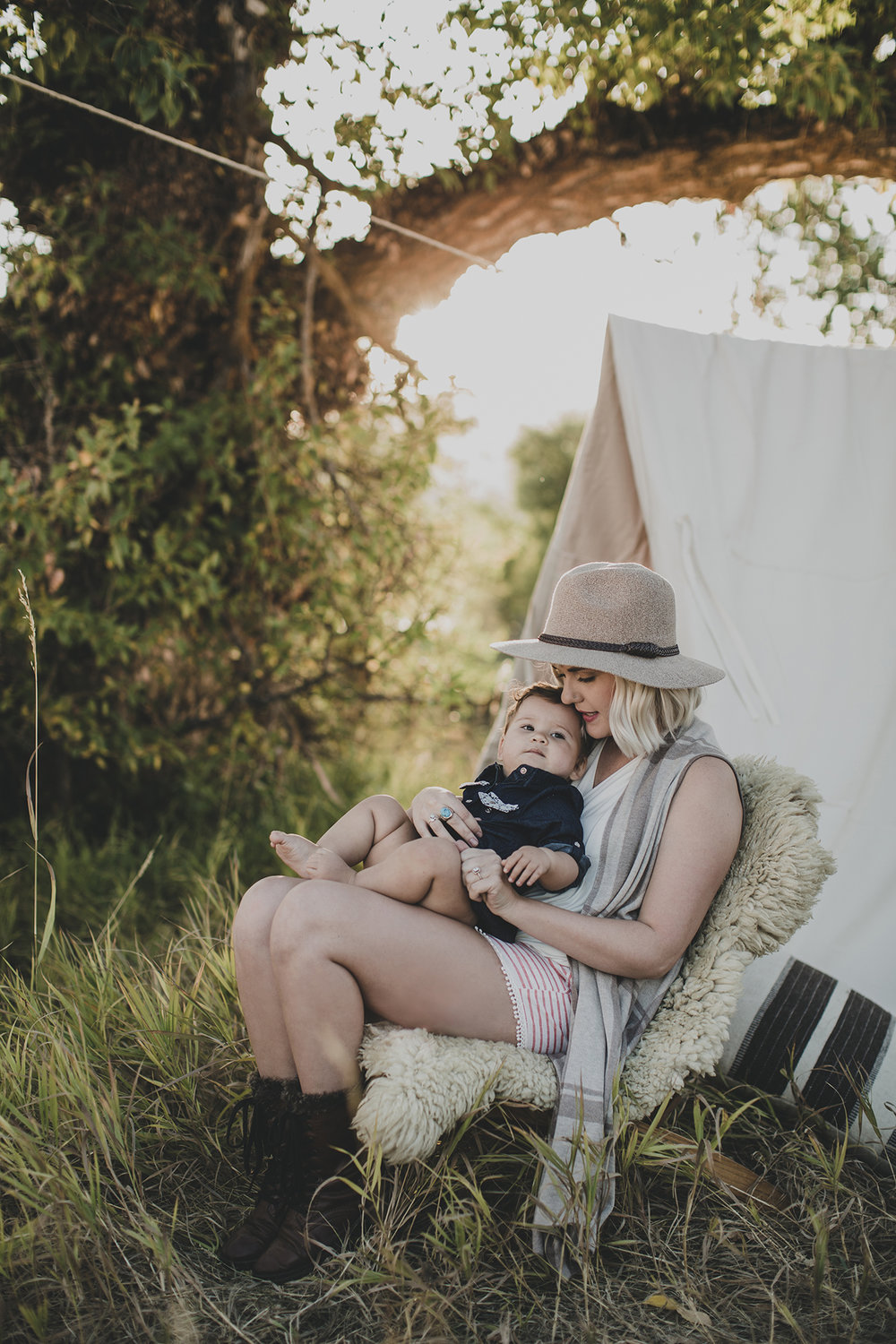 © duston–todd–camping-outdoors-mother-child-tent_.jpg