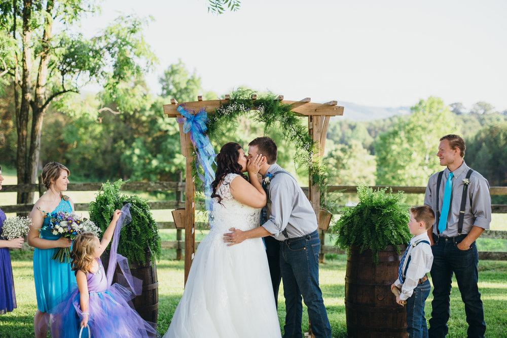 Sorella Farms_Lynchburg Wedding Photographer_Lynchburg Wedding Venue_Lynchburg Photographer-22.jpg