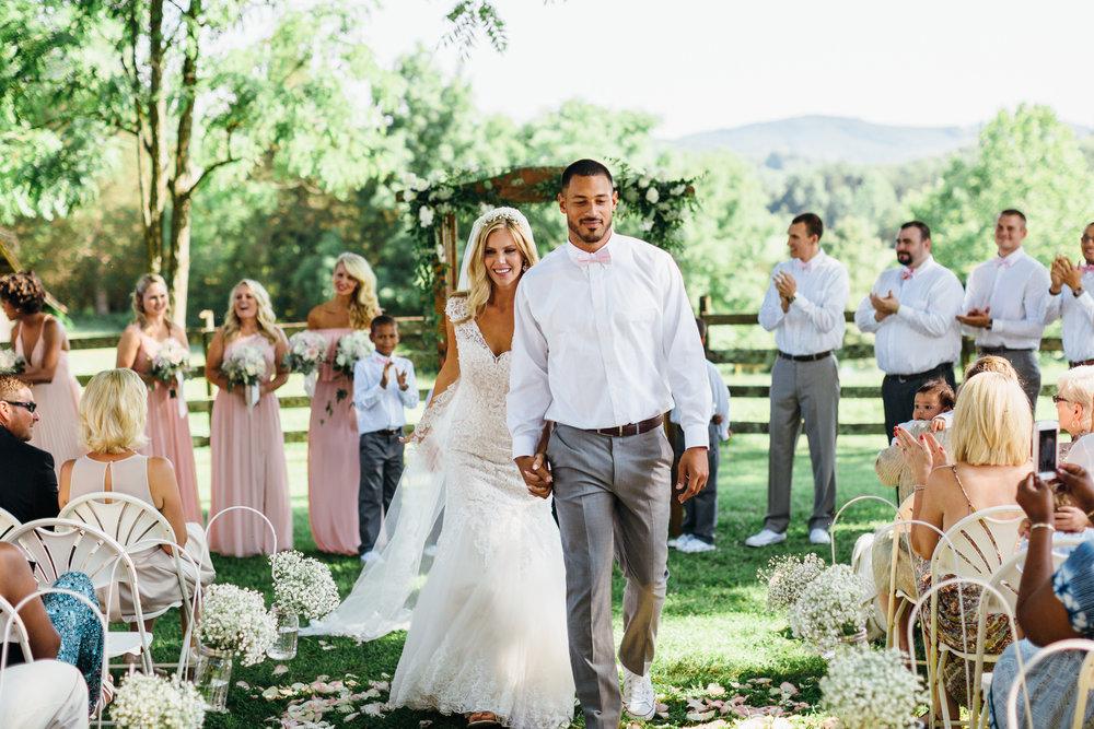 Lynchburg Wedding Photographer; Lynchburg Photographer; Lynchburg Wedding; Sorella Farms Wedding; Virginia Wedding Photographer; Virginia Wedding-15.jpg