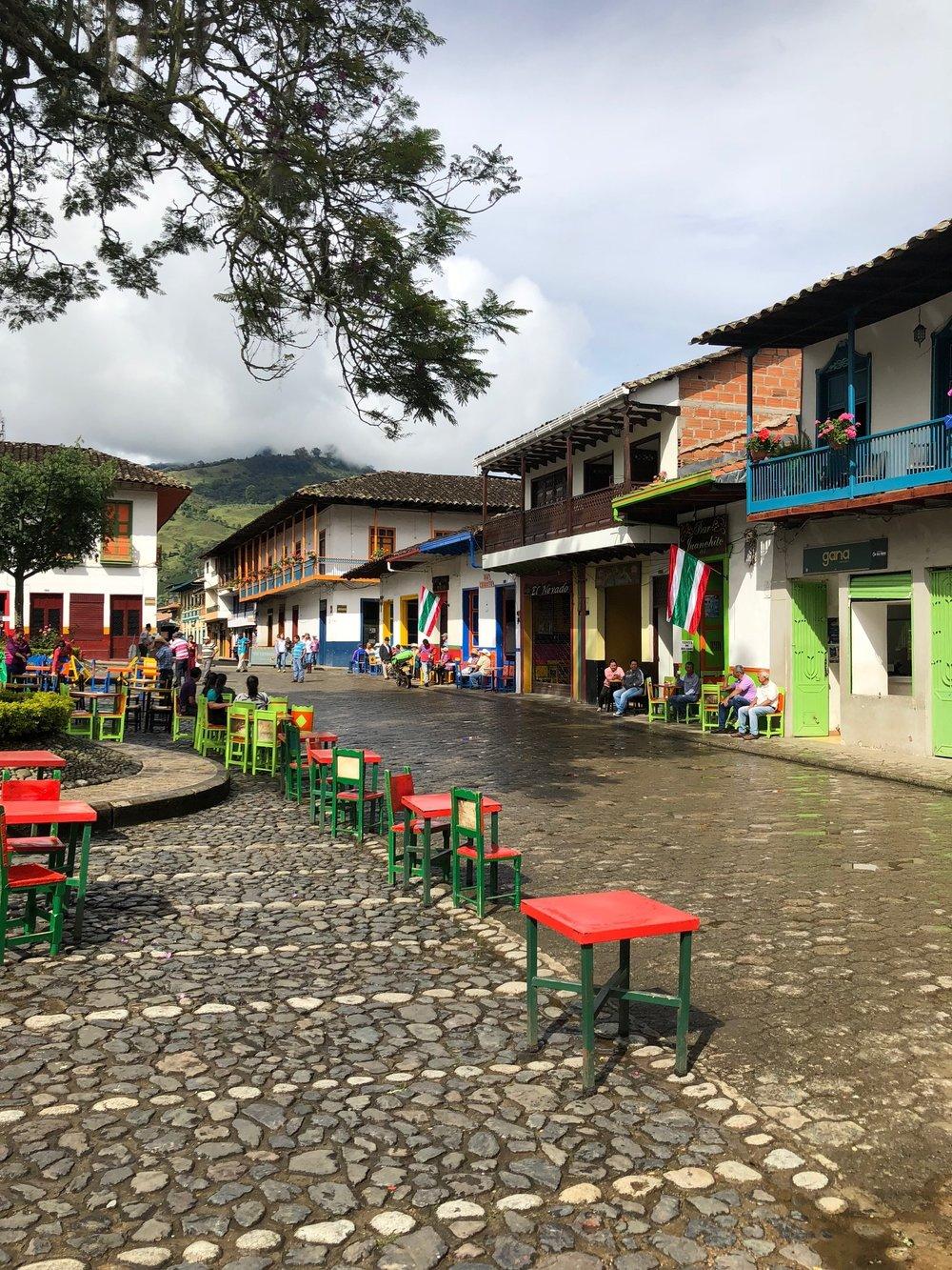Main plaza, Jardin.